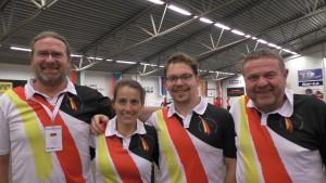 Das Team in der Halle: Stefan Deuer, Indra Waldbüsser, Raphael Gharany, Jürgen Hatzenbühler